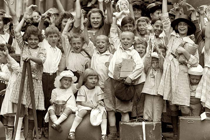 igor and andre Inspiration friday image of a bunch of Little kids in 1910 raising there hand via snorpy